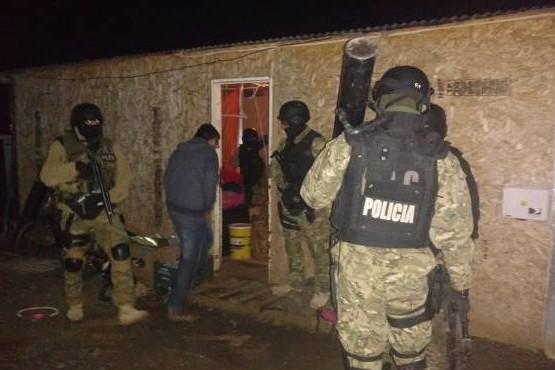 El personal de las Fuerzas Especiales realizó el ingreso táctico.