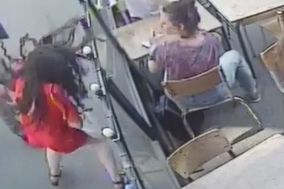 La indignación que causó el video de la brutal agresión a una mujer en la calle