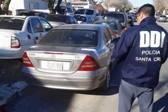 Recuperan en Caleta Olivia un auto robado en Buenos Aires