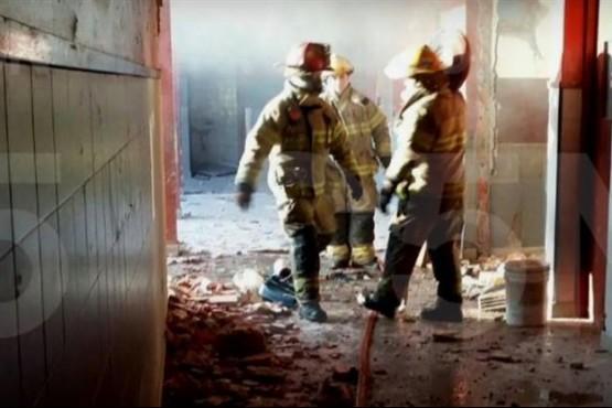 Explotó una estufa en una escuela: 2 muertos