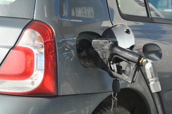 Nuevo aumento: YPF subió un 5% en promedio el precio de sus combustibles