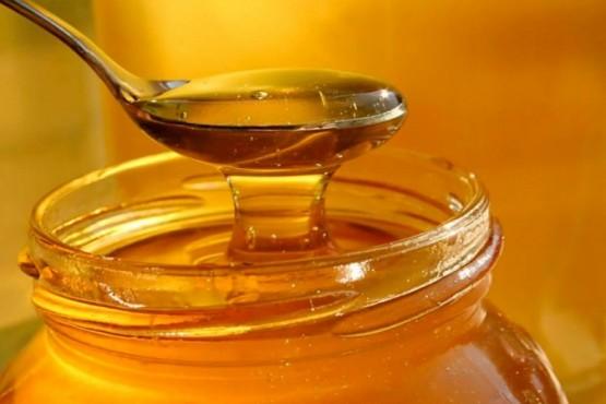 Prohibieron la venta y uso de una miel