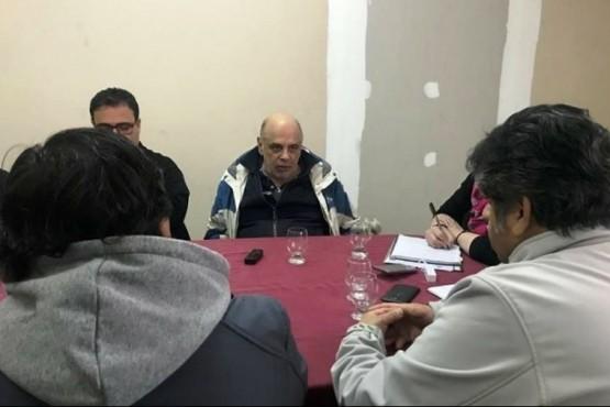Sin oferta salarial en paritaria en la que preocupó la salud del Intendente
