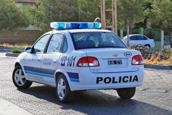 Cuatro sujetos armados y encapuchados asaltaron la casa de dos abuelos
