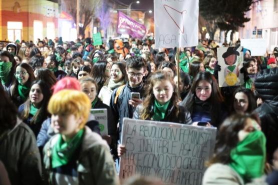La marcha en Río Gallegos fue multitudinaria.