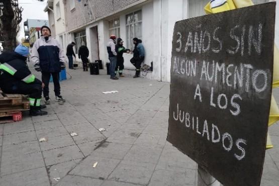 """Comunión de sindicatos"" en pedido de apertura de paritarias"