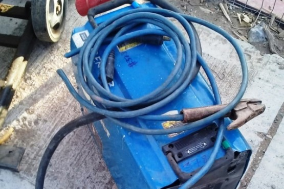 El personal de la DDI de Las Heras encontró al propietario de la soldadora.
