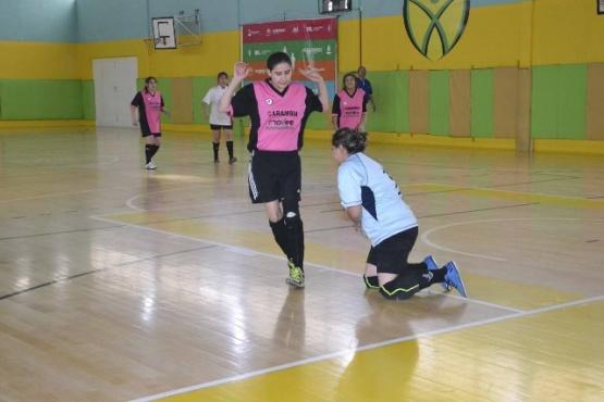 Las chicas siguen jugando en el Lucho Fernández.