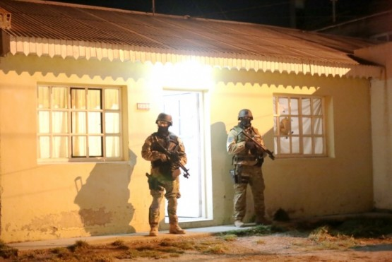 En allanamiento secuestran cocaína y elementos de fraccionamiento