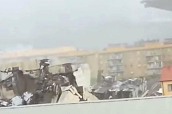Se derrumbó un puente de una autopista en Génova: al menos 11 muertos