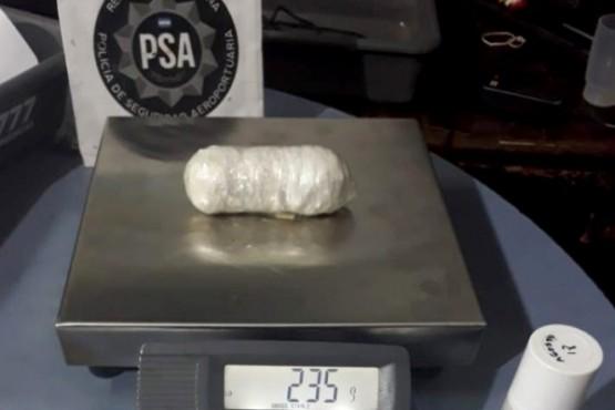 Detienen a una mujer con casi medio kilo de cocaína