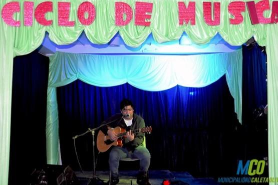 Oscar Quilográn deleitó con su música