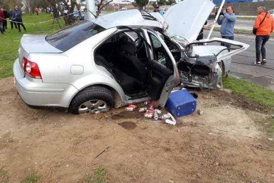 Choque en villa Soldati entre un auto y una moto, dejó un saldo de un muerto y Prefectura busca al acompañante en el Riachuelo. (Foto Jorge Sanchez)