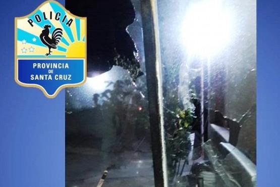 Dos jóvenes detenidos por causar destrozos en una vivienda