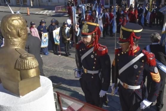 Granaderos enaltecieron el homenaje al General San Martín