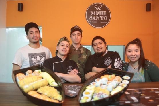 El equipo de Sushi Santo, con los