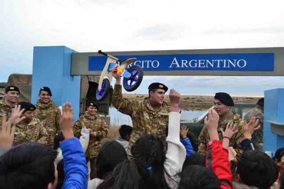 """Operación """"Patoruzitos alegres II"""" visitó diversos barrios de Río Gallegos con gran éxito"""