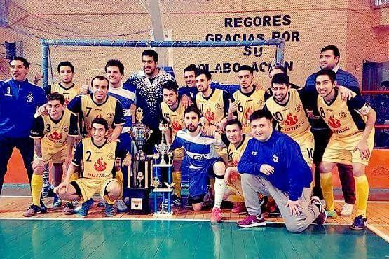 Los campeones del torneo en la Cuenca.