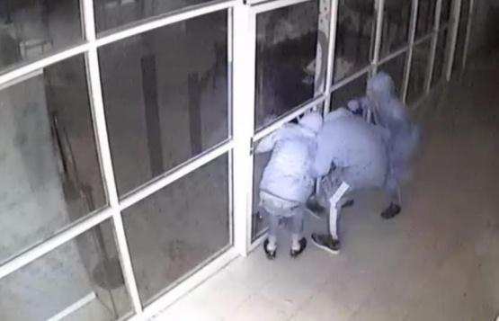 Encapuchados robaron un televisor de la UNPA