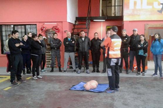 Policías se capacitaron en RCP y Primeros Auxilios