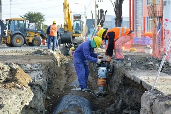 Trabajos sobre calle Pellegrini (C.R)