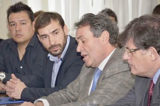 Diputados y autoridades del Banco Santa Cruz se reunieron para hablar de diversos temas