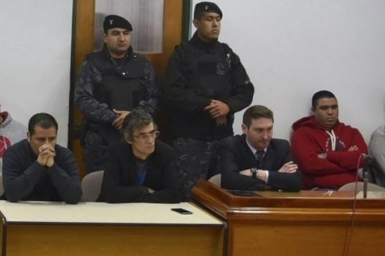 Ordenan liberar a cuatro condenados por tiroteo en gremio petrolero