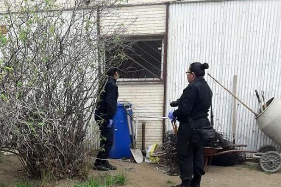 Detienen a tres personas cuando intentaban ingresar a una casa