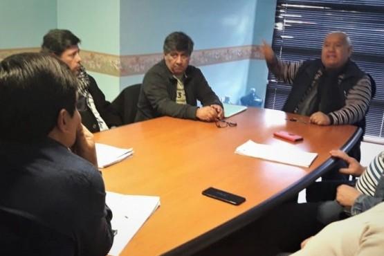 Concejales y taxistas buscan acordar nueva ordenanza