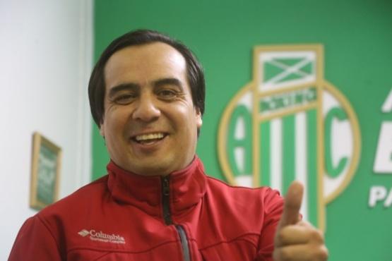 """""""Tito"""" Velázquez es feliz como dirigente deportivo."""
