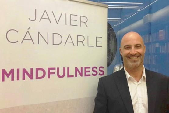 Lic. Javier Cándarle.