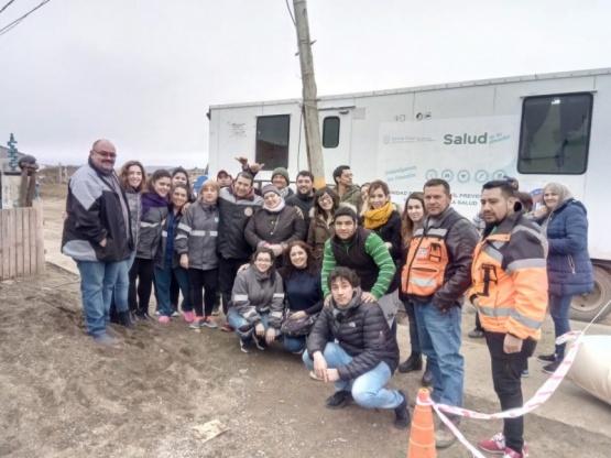 Vecinos de Los Lolos recibieron tráiler sanitario y de DNI