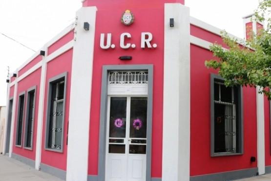 Sectores de la UCR insisten en la necesidad de abrir el debate puertas adentro