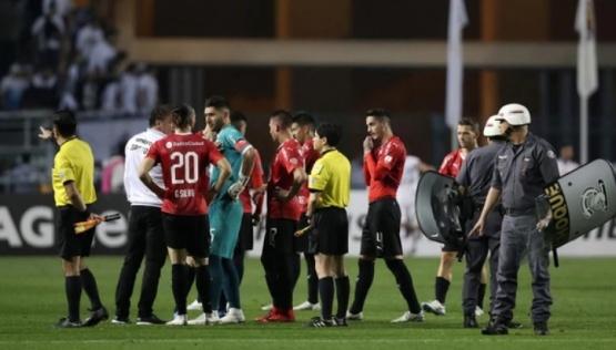 Suspenden el partido de Independiente y Santos por incidentes