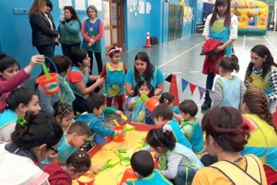Pequeños visitaron el Instituto Aónikenk