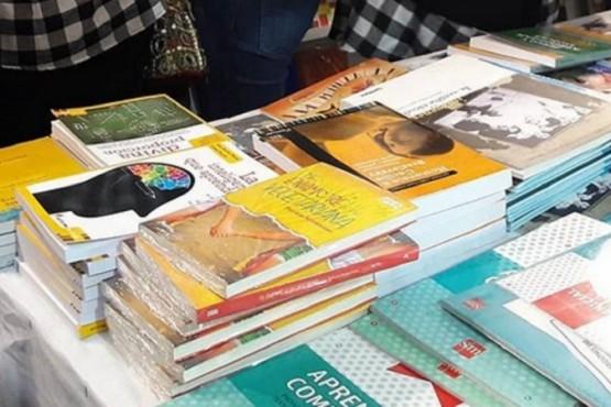 Un colegio religioso se retiró de la presentación de un libro de amor lésbico