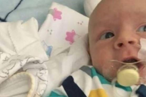 El desesperado pedido de la familia de un bebé que sufre atrofia muscular espinal