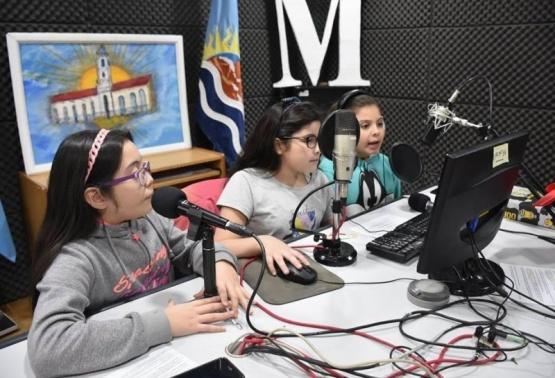 Abren el ateneo Radio escolar en Caleta Olivia