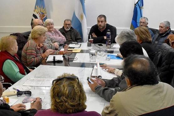 Municipio presentó propuesta para trabajar con jubilados caletenses