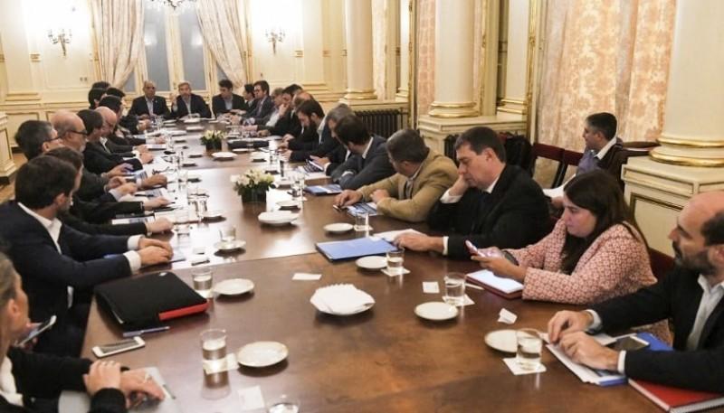 Los ministros de Economía se reunieron con Frigerio.