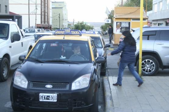 Rige nueva tarifa para taxis y remises