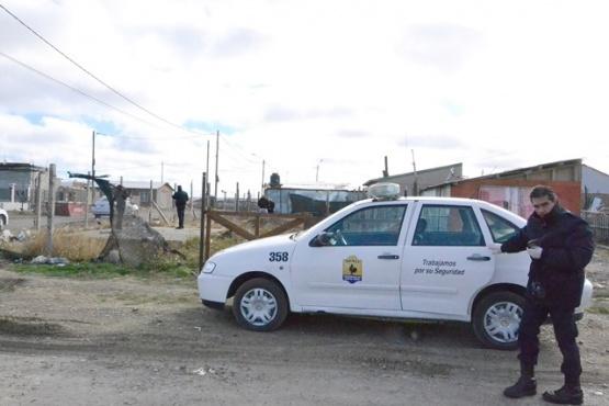 El allanamiento se realizó en la manzana 44 del barrio Los Lolos.