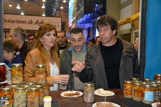 Álvarez adelantó que lanzarán una línea de crédito con tasas subsidiadas