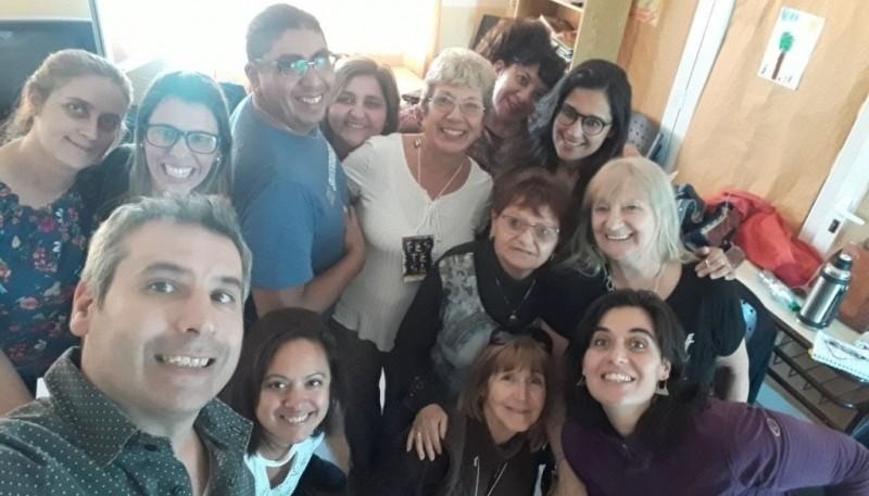 Verónica Olarieta y referentes del teatro de distintos puntos de la provincia.