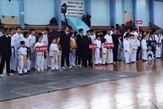 El Taekwondo de El Chaltén compitió en Río Turbio