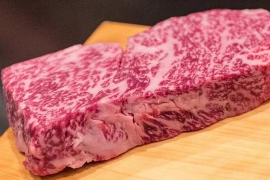 A seguir comiendo novillo: el dólar a casi $ 40 echó por tierra la llegada de la carne wagyu