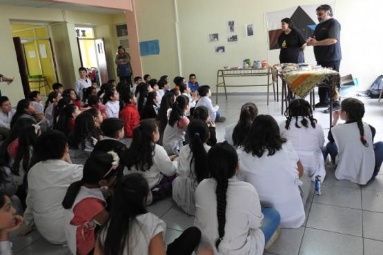 Alumnos de la EPP 70 recibieron charla sobre la comunidad tehuelche