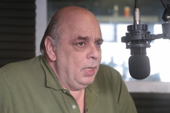 Giubetich en el estudio de Tiempo FM.