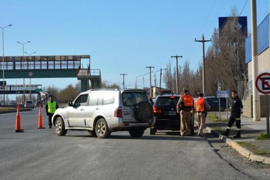 Secuestran tres vehículos en operativo conjunto entre Municipio y Prefectura