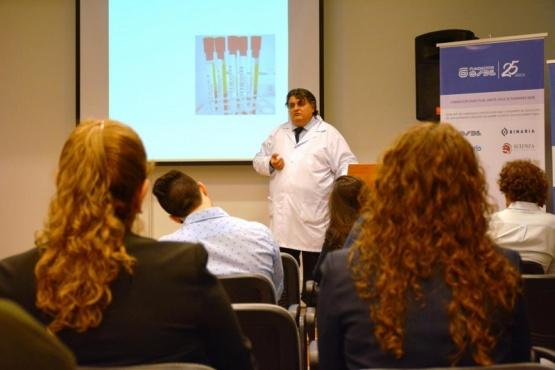 Dr. José Gutiérrez Durán, médico especialista en Hemoterapia e inmunohematologia del Hospital Regional Río Gallegos. (C.R)